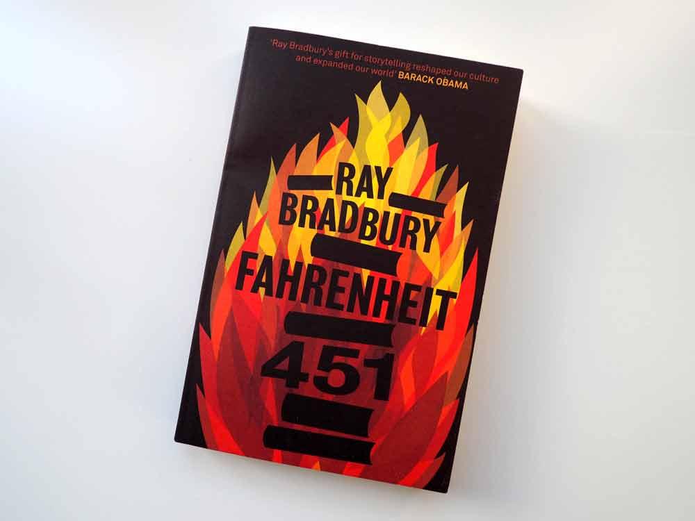 """Foto vom Buch """"Fahrenheit 451"""" von Ray Bradbury, Variante 1"""