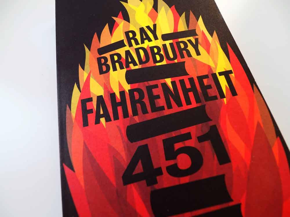 """Foto vom Buch """"Fahrenheit 451"""" von Ray Bradbury, Variante 2"""