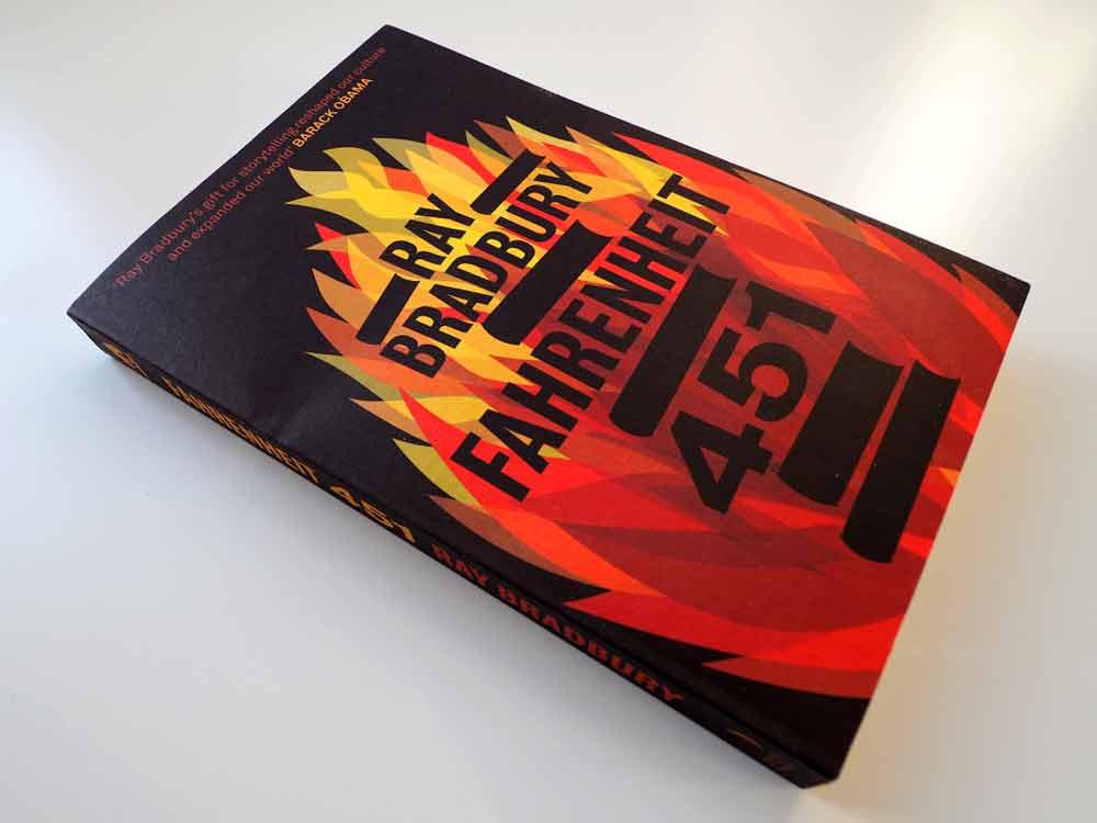 """Foto vom Buch """"Fahrenheit 451"""" von Ray Bradbury, Variante 3"""