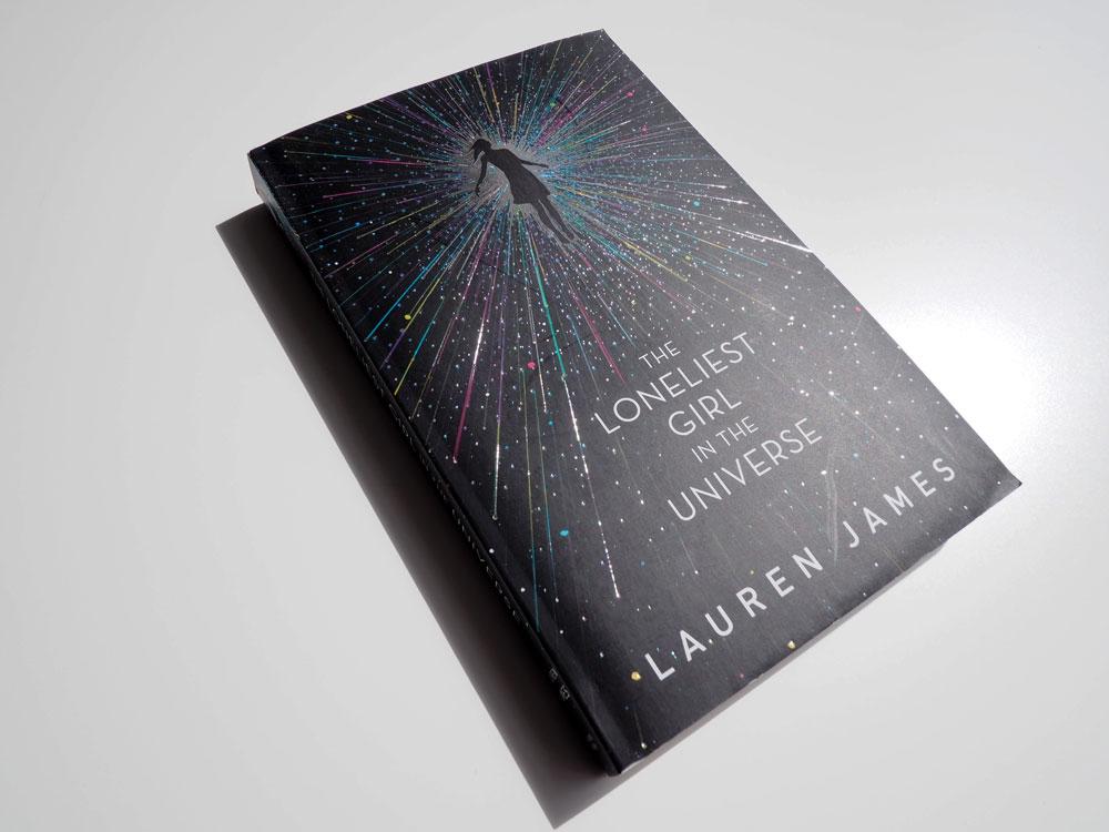 "Bild vom Buch ""The Loneliest Girl in the Universe"""