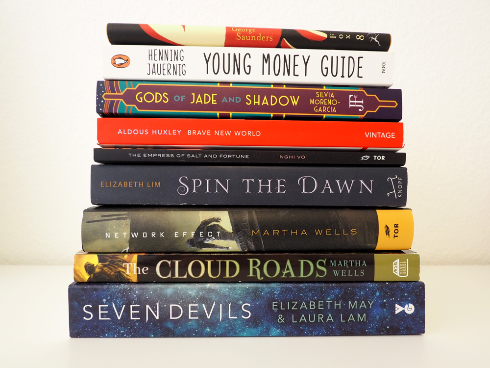 Foto der Buchrücken von den im Beitrag vorgestellten Bücher